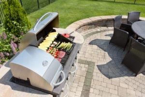 Outdoorküche Mit Spüle Obi : Leckere frische gerichte kochen mit einer outdoor küche im