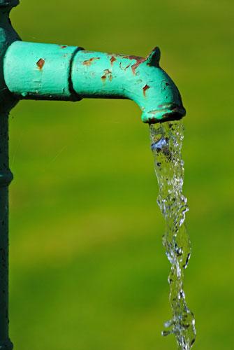 Die rechtlichen Voraussetzungen für einen Grundwasserbrunnen im [R