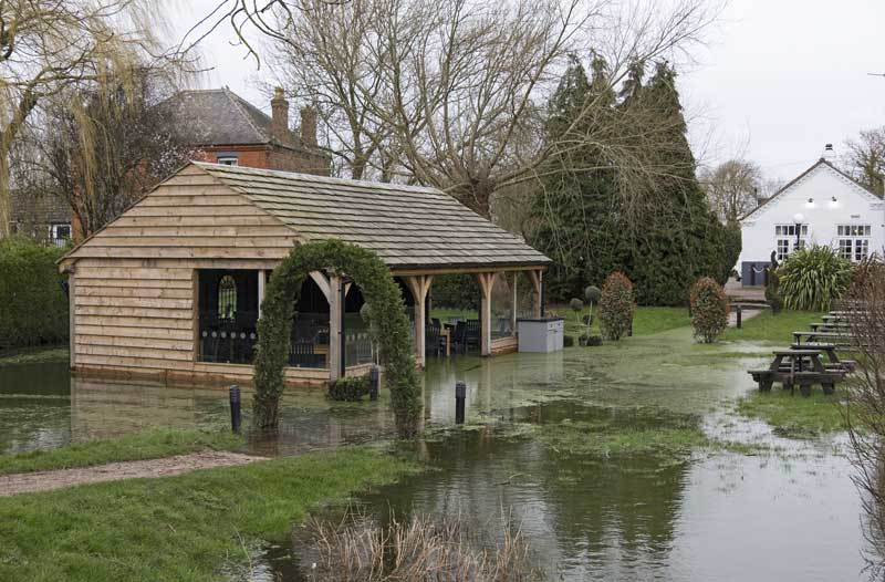 garten-ueberschwemmung