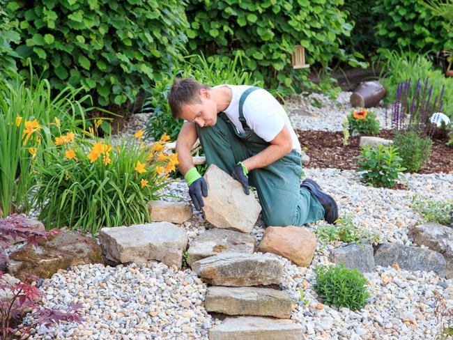 wer keinen langweiligen brojob sucht sondern lieber im freien arbeiten und jeden tag neue herausforderungen meistern mchte fr den knnte der beruf des - Terrasse Im Garten Herausvorderungen