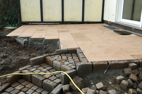 terrassenplatten garten blog. Black Bedroom Furniture Sets. Home Design Ideas