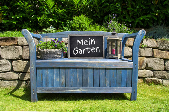gartenm bel die platz schaffen die truhenbank garten blog. Black Bedroom Furniture Sets. Home Design Ideas